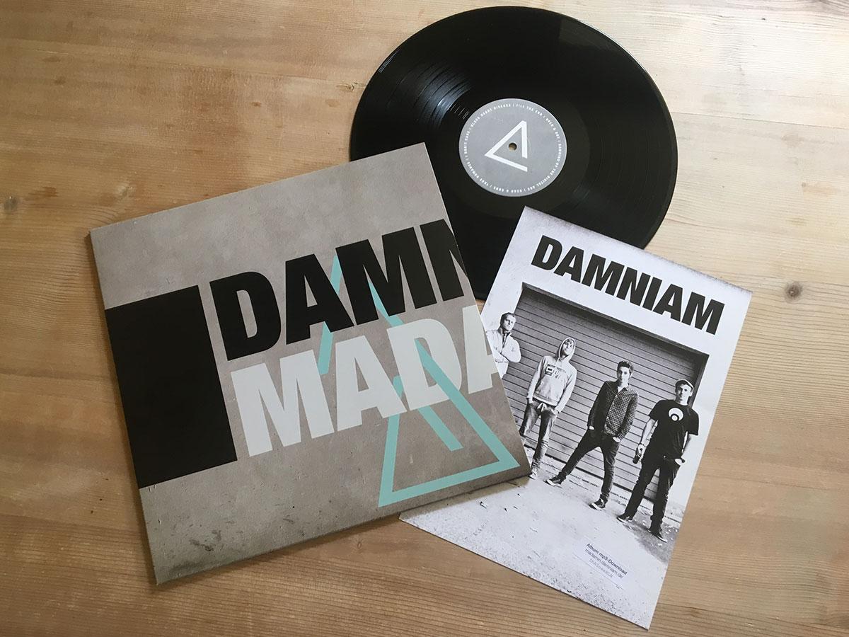 Der Inhalt der LP Madam In von Damniam