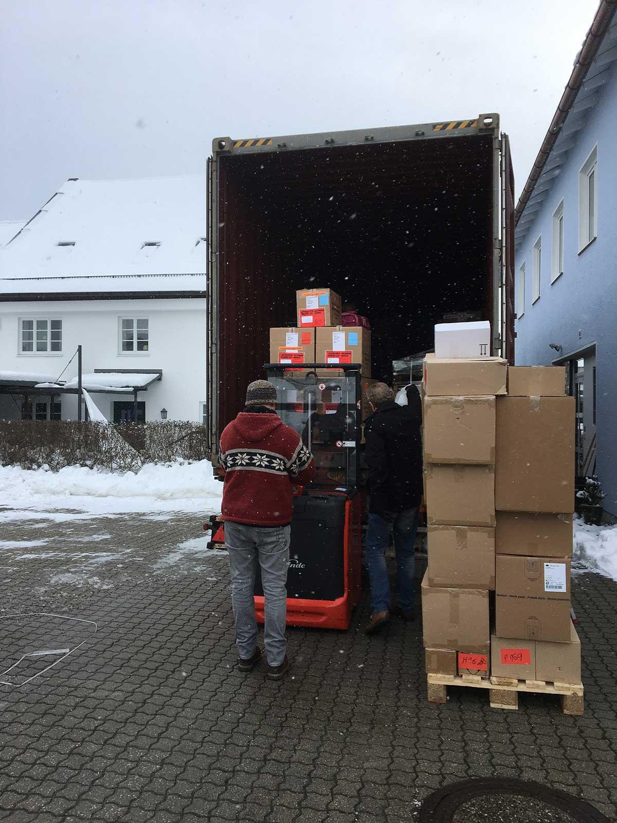 Containerbeladung Ameise Fahren