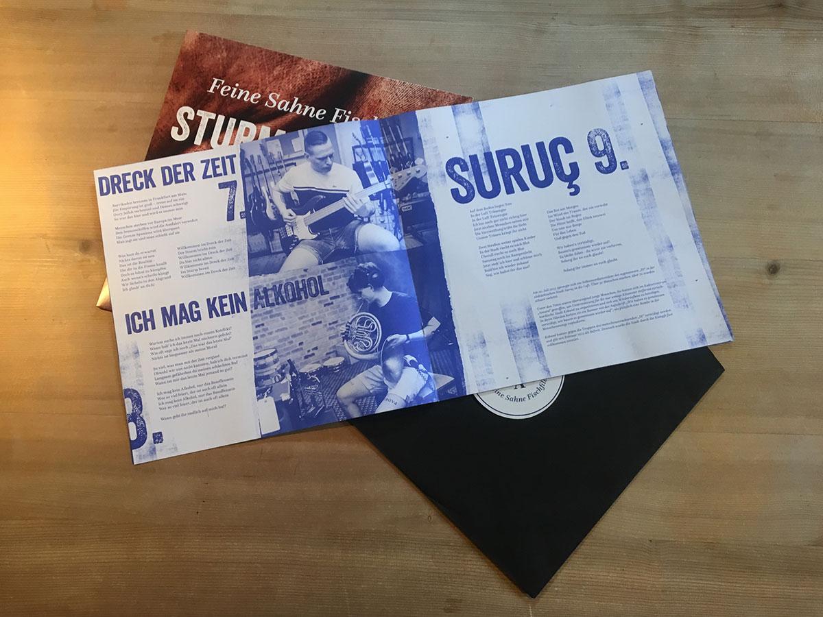 Feine Sahne Fischfilet - Sturm & Dreck - geöffnetes Booklet